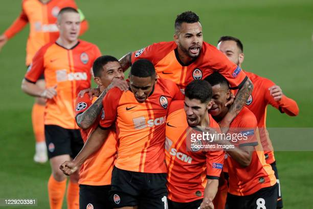 Tete of Shakhtar Donetsk Celebrates 0-1 with teammates during the UEFA Champions League match between Real Madrid v Shakhtar Donetsk at the Estadio...