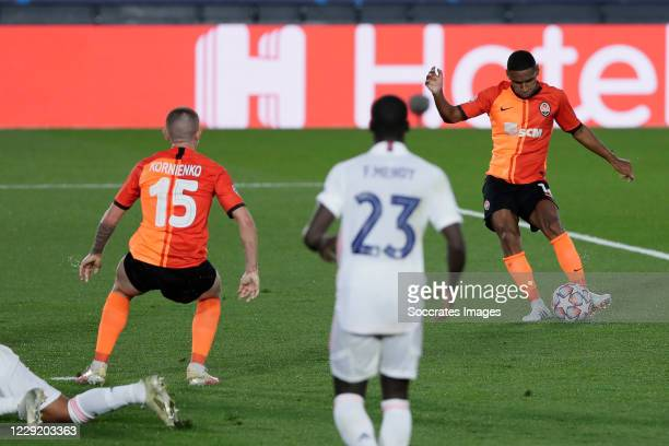 Tete of Shakhtar Donetsk scores the first goal to make it 0-1 during the UEFA Champions League match between Real Madrid v Shakhtar Donetsk at the...