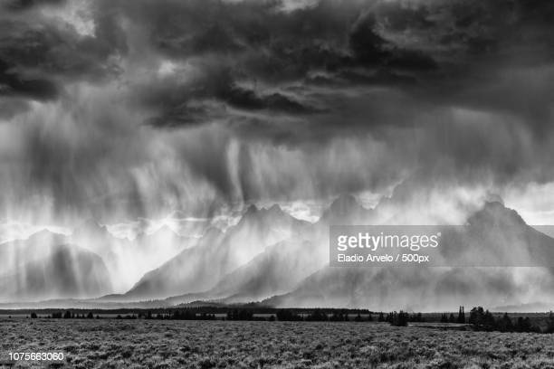 teton shower - eladio arvelo stock pictures, royalty-free photos & images