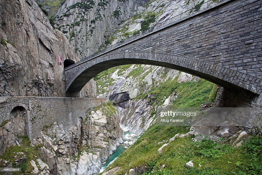 Teufelsbrücke, Schöllenen Gorge : Stock-Foto