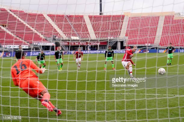 Teun Koopmeiners of AZ Alkmaar scores the second goal to make it 1-1 during the UEFA Champions League match between AZ Alkmaar v Viktoria Plzen at...