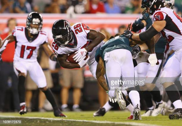 Tevin Coleman of the Atlanta Falcons rushes for a 9yard touchdown during the fourth quarter against the Philadelphia Eagles at Lincoln Financial...