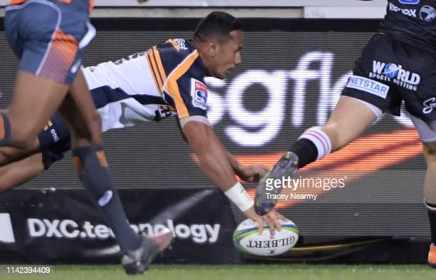 Tevita Kuridrani of the Brumbies scores a try during the Round 9 Canberra Brumbies and Lions Super Rugby match at GIO Stadium on April 13 2019 in...