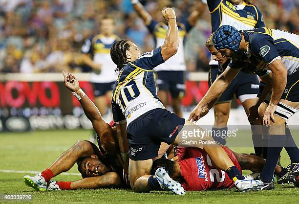 Tevita Kuridrani of the Brumbies scores a try during the round one Super Rugby match between the Brumbies and the Reds at GIO Stadium on February 13...
