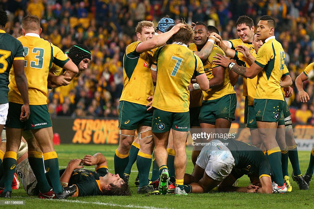 Tevita Kuridrani of the Wallabies celebrates with team mates after scoring the winning try during The Rugby Championship match between the Australian Wallabies and the South Africa Springboks at Suncorp Stadium on July 18, 2015 in Brisbane, Australia.