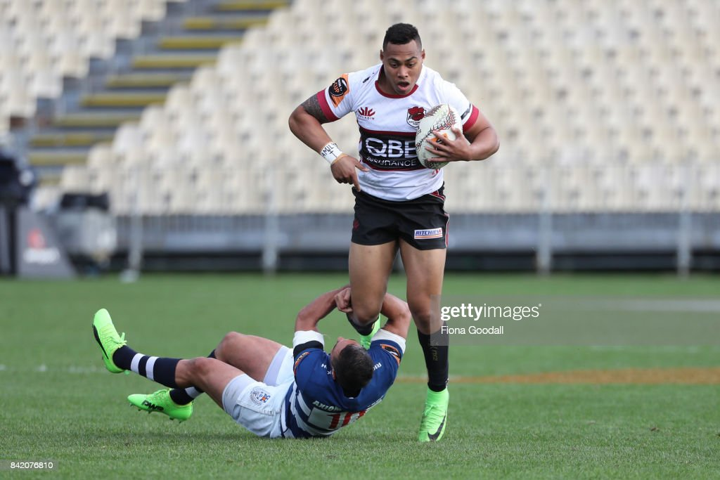 Tevita Li of North Harbour (R) is tackled by Daniel Bowden of Auckland (L) during the round three Mitre 10 Cup match between North Harbour and Auckland on September 3, 2017 in Auckland, New Zealand.
