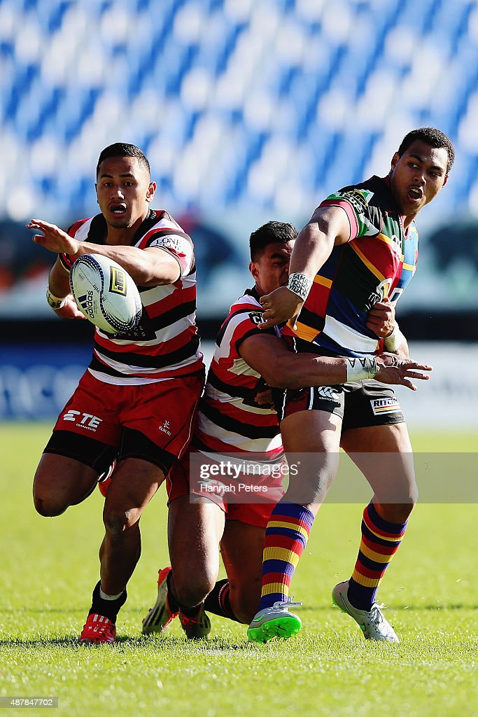 Tevita Li of North Harbour offloads the ball during the round five ITM Cup match between North Harbour and Counties Manukau at QBE Stadium on September 12, 2015 in Auckland, New Zealand.