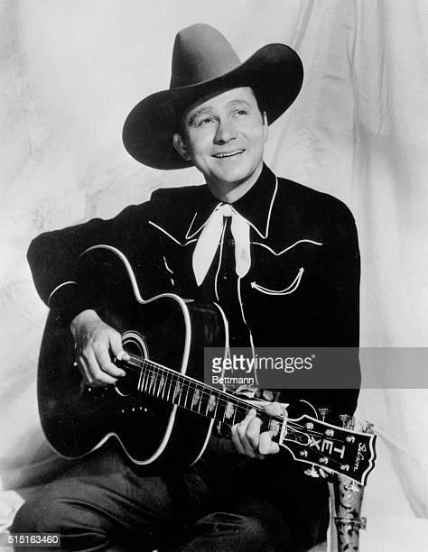 Tex Ritter singing cowboy