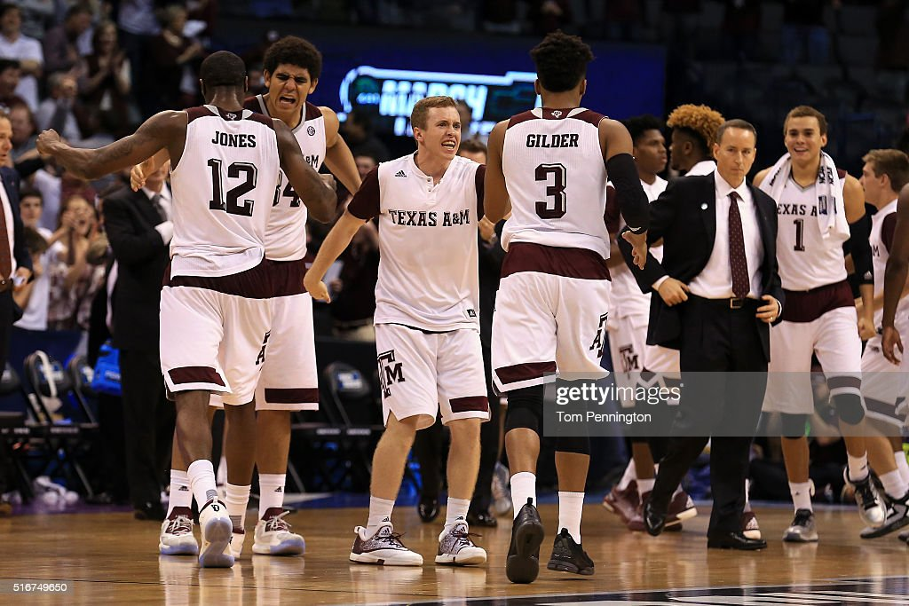 NCAA Basketball Tournament - Second Round - Northern Iowa v Texas A&M : News Photo