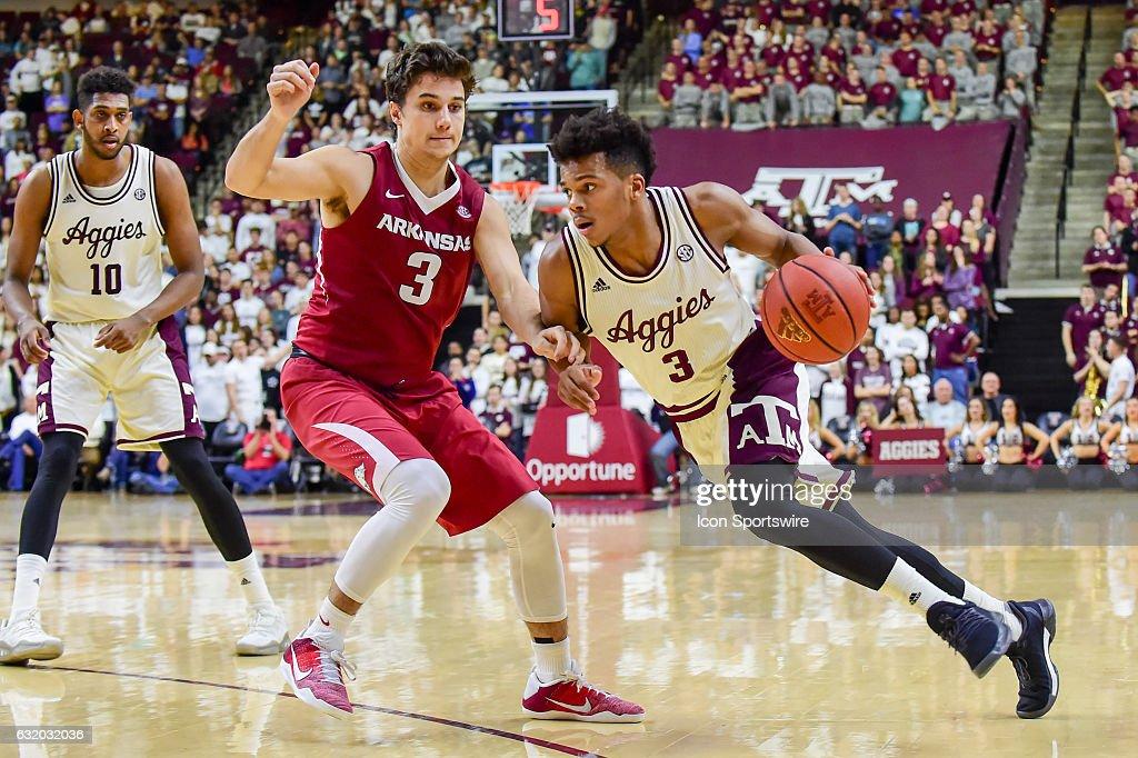 NCAA BASKETBALL: JAN 17 Arkansas at Texas A&M : News Photo