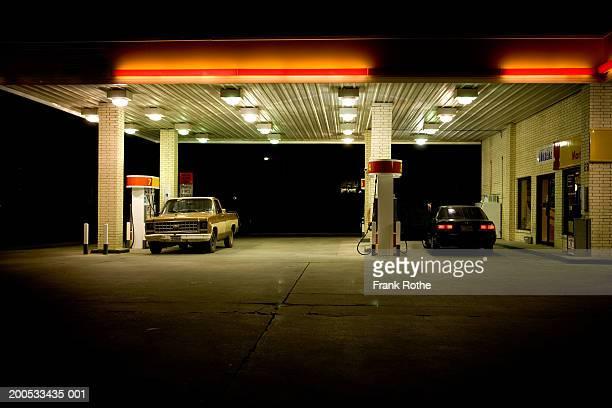 USA, Texas, cars at petrol station at night