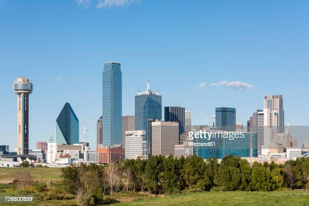 usa, texas, dallas, skyline with reunion tower - dallas texas stock pictures, royalty-free photos & images