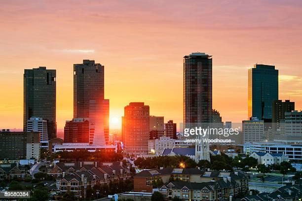 texas, fort worth skyline at sunrise - フォートワース ストックフォトと画像