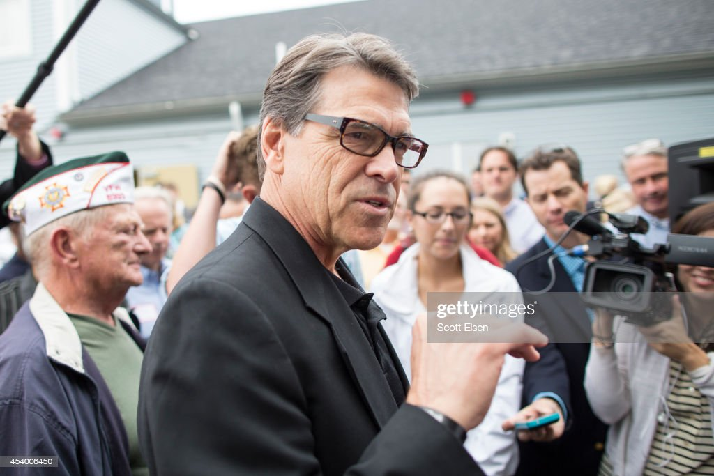 Texas Governor Rick Perry Attends New Hampshire GOP Events