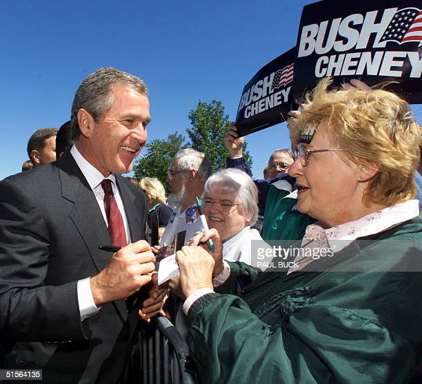 Texas Governor and Republican presidential candidate George W Bush works the crowd following a Pennsylvania Republican Party luncheon in 05 September...