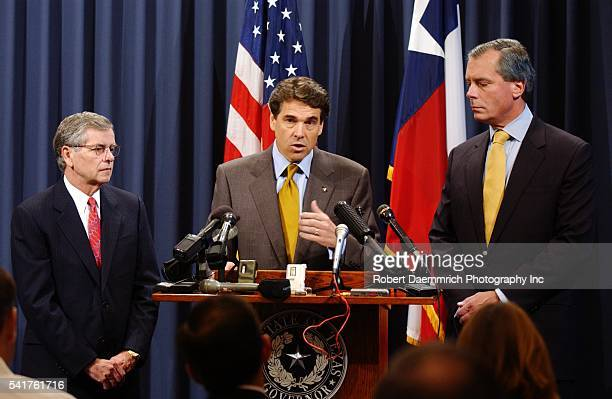 Lieutenant Governor David Dewhurst Governor Rick Perry and House Speaker Tom Craddick meet with the press for the second day in a row to plead for...