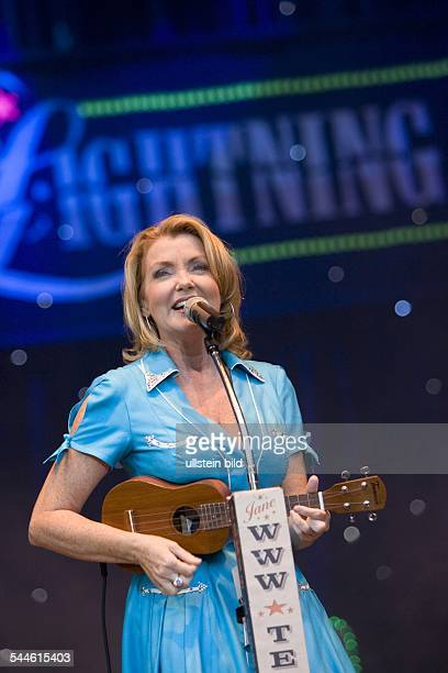 Texas Lightning; Musikgruppe, Countrymusik; D; Auftritt Jane Comerford im Stadtpark Hamburg - 09.2006