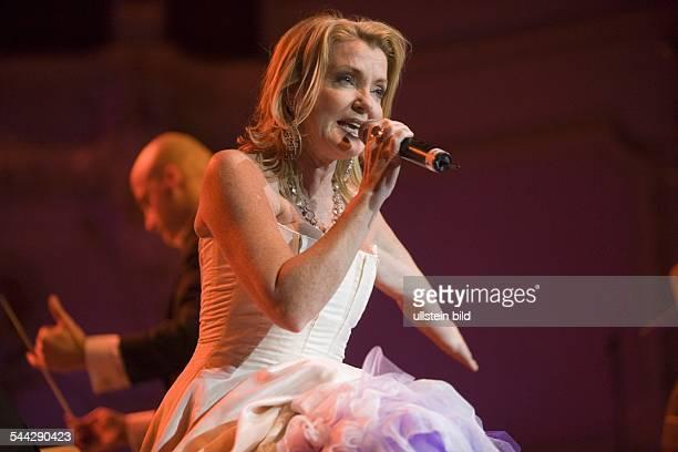 Texas Lightning; Musikgruppe, Countrymusik; D; Saengerin Jane Comerford; Auftritt bei der Gala der schoensten Fernsehmelodien mit dem St.Pauli...