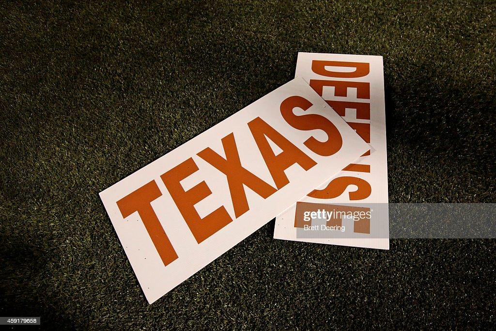 Texas v Oklahoma State : News Photo