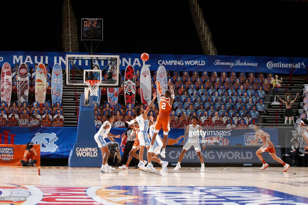 COLLEGE BASKETBALL: DEC 02 Maui Invitational - Texas v North Carolina : News Photo