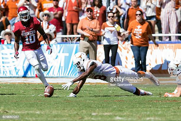 Texas Longhorns wide receiver Dorian Leonard during the Oklahoma Sooners 45-40 victory over the Texas Longhorns in their Red River Showdown on...