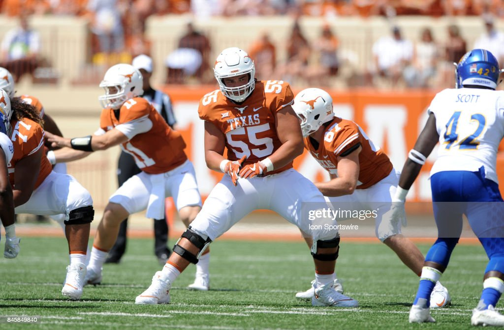Texas offensive tackle Connor Williams (55) drops into pass protection during game between the Texas Longhorns and the San Jose State Spartans on September 9, 2017 at Darrell K Royal-Texas Memorial Stadium in Austin, TX. The Texas Longhorns defeated the San Jose Spartans 56 - 0.