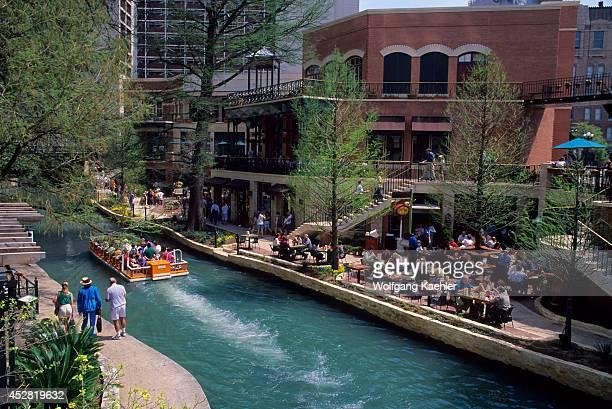 USA Texas San Antonio Riverwalk Outdoor Restaurant Tour Boat
