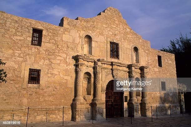 USA Texas San Antonio The Alamo Shrine In Evening Light