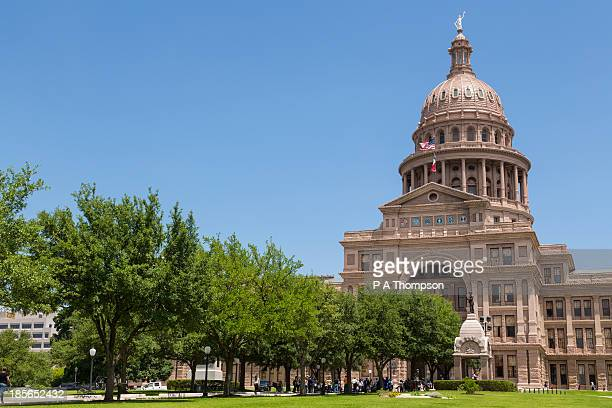 texas state capitol, austin. - government building stock pictures, royalty-free photos & images