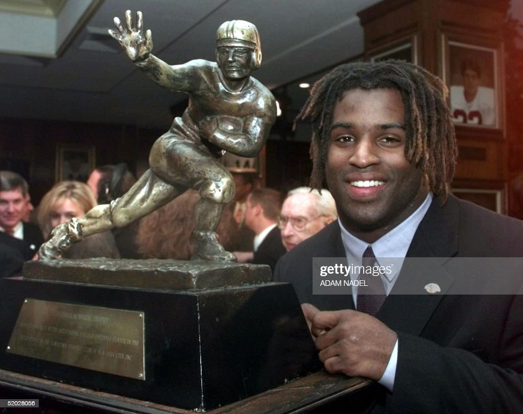 Texas tailback Ricky Williams, winner of the 1998 : News Photo