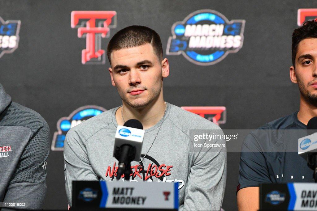 NCAA BASKETBALL: MAR 29 Div I Men's Championship - Elite Eight - West Regional Press Conference : News Photo