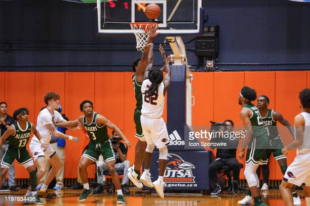 TexasSan Antonio Roadrunners guard Keaton Wallace shoots during the NCAA game between the UAB Blazers and the UTSA Roadrunners on January 30 2020 at...