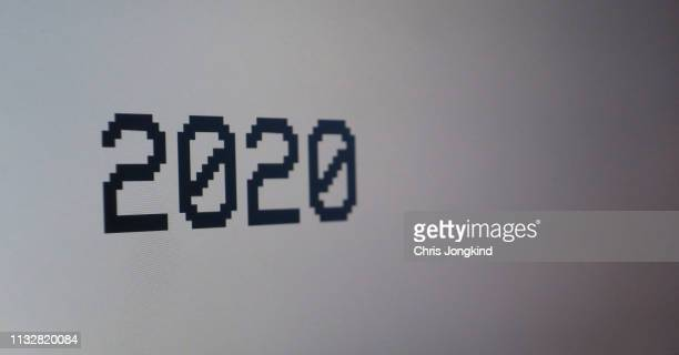"""text on a monitor reading """"2020"""" - 2020 stock pictures, royalty-free photos & images"""