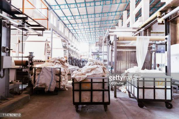 textile industry in india - dye stock pictures, royalty-free photos & images