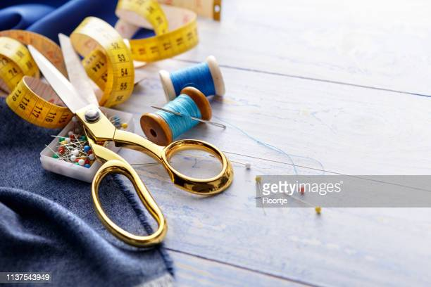 textile: sewing items still life - sewing needle stock pictures, royalty-free photos & images