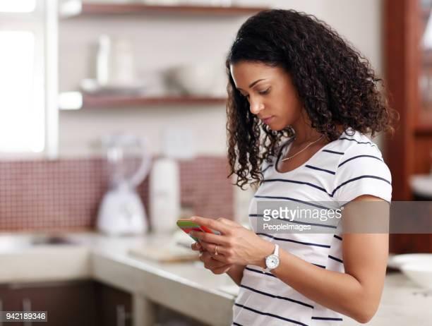 amigos de mensagens de texto para algumas novas receitas - mensagem de texto - fotografias e filmes do acervo