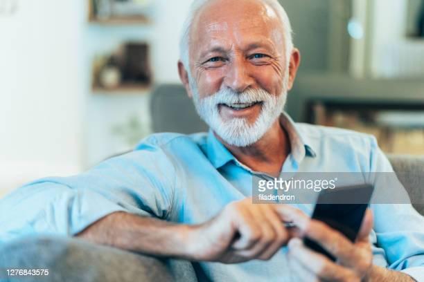 textning - active seniors bildbanksfoton och bilder