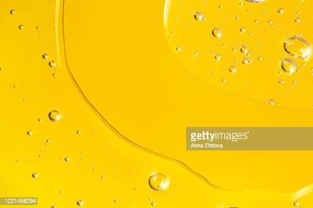 texture of transparent gel with bubbles. - état liquide photos et images de collection