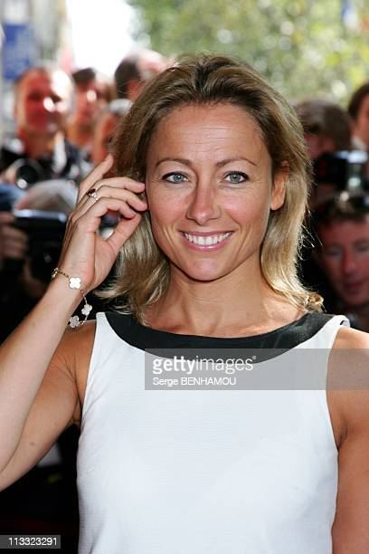Tf1 Press Conference At The Olympia In Paris France On August 29 2007 AnneSophie Lapix