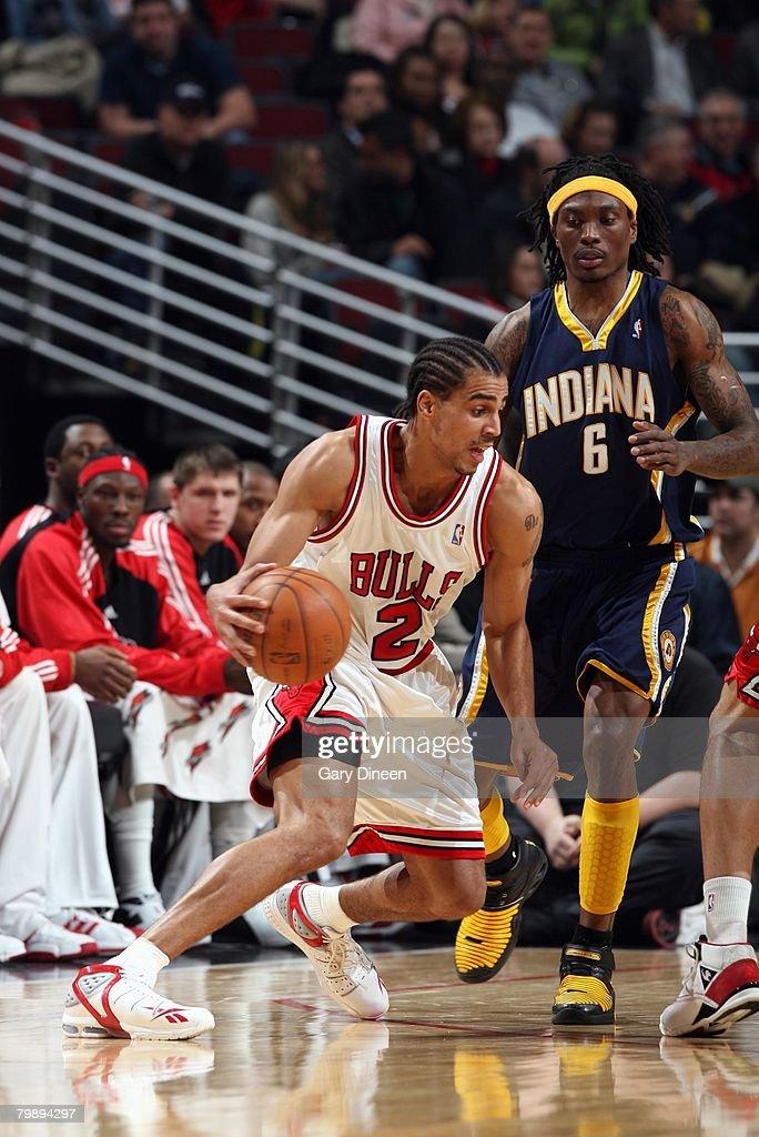 Thabo Sefolosha of the Chicago Bulls moves the ball against