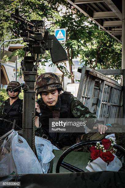 Thai army soldiers secure the grounds of the venue for peace talks between pro and antigovernment groups on May 22 2014 in Bangkok Thailand The army...