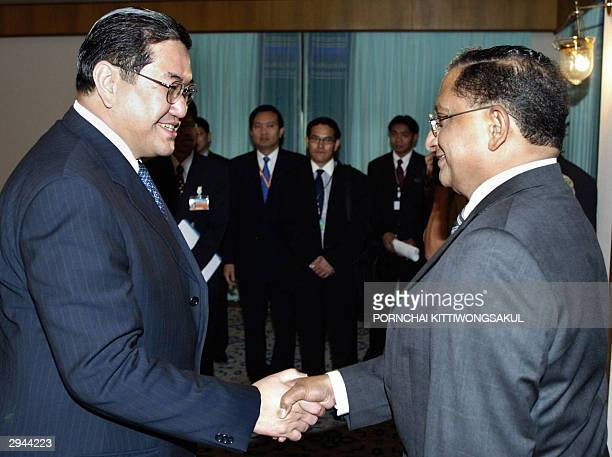 Thai Foreign Minister Surakiart Sathirathai welcomes Sri Lankan Foreign Minister Tyronne Fernando during a bilateral prior to the opening of the 6th...