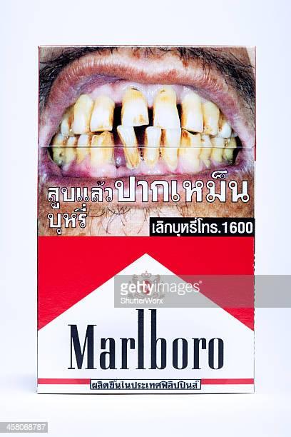 thailändische marlboro zigarettenschachtel mit clipping path - raucher lunge stock-fotos und bilder