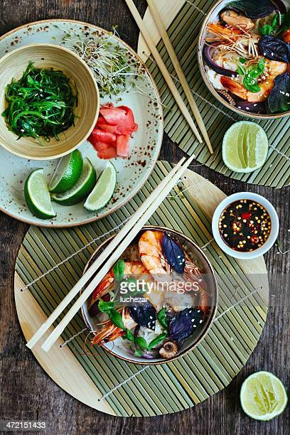 Thai rice noodles with prawn