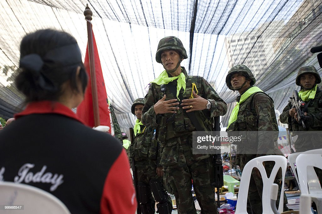 Red-Shirt Leaders Surrender As Government Troops Storm Barricades : News Photo