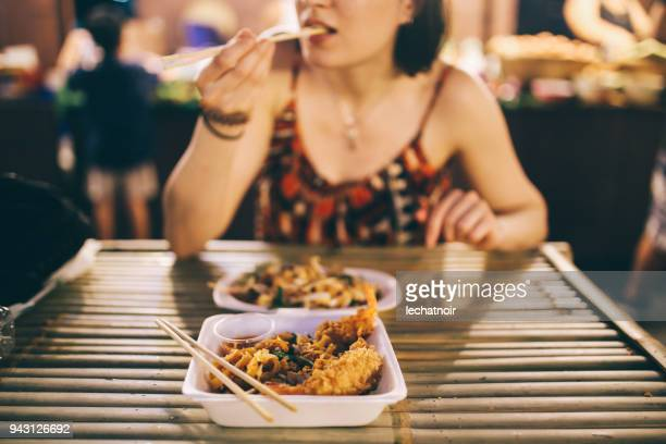 thai street food in bangkok, shrimp tempura with vegetables - street food stock pictures, royalty-free photos & images