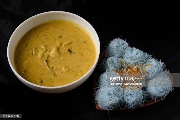 thai style food , crab coconut milk curry  with natural steamed small noodle - coconut crab stock pictures, royalty-free photos & images