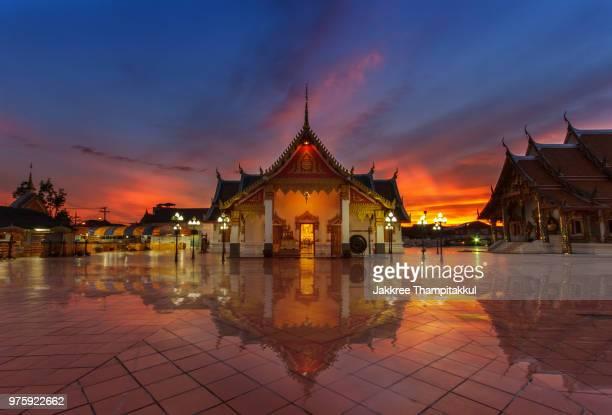 thai temple - ソマリア ストックフォトと画像