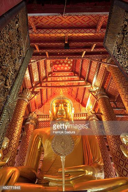 thailand, ayutthaya, interior view of temple with budda statue - ayuthaya province stock pictures, royalty-free photos & images