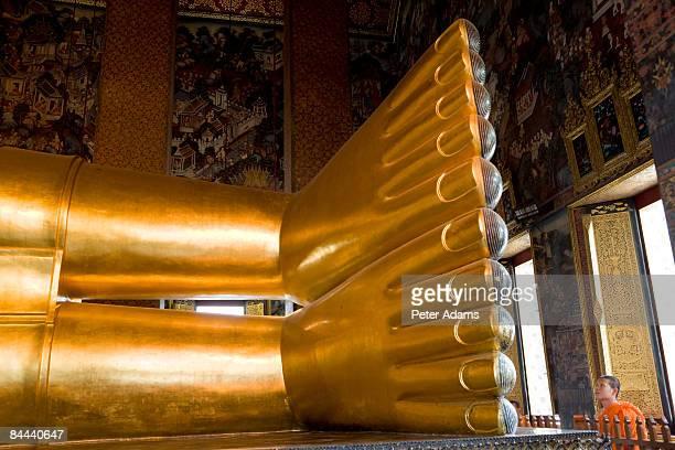 thailand, bangkok, wat pho, reclining buddha - wat pho stock pictures, royalty-free photos & images